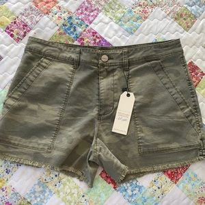 Sanctuary camo shorts 27